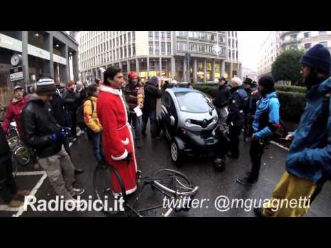 Ciclisti Travolti In Centro A Milano: