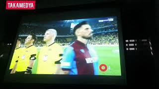 Download lagu Trabzonsporlu Futbolcular Kadıköyde İstiklal Marşı Bayrağa Dönerek Söylediler MP3