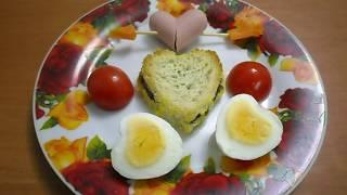 Закуски на праздник: яйцо-сердечко и бутерброды-леденцы