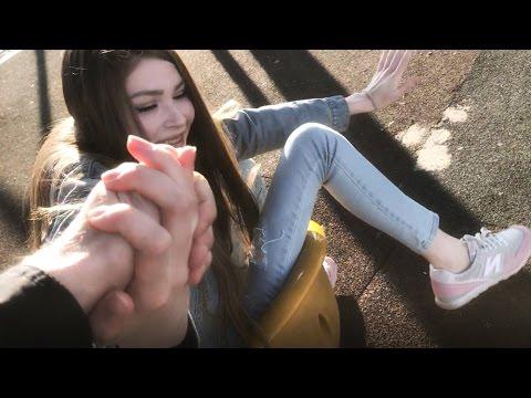 ХОХОЛ В МИЛАНЕ: ВСТРЕТИЛ КАРИНУ - Популярные видеоролики!