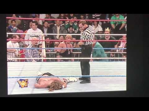 Shawn Michaels passes out