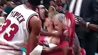 Scottie Pippen ejected vs Spurs - throws chair on court (1995)