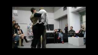 HerrMann erklärt modernen Tanz: Steptanz, Tango und Breakdance