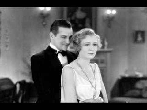 Клип Bing Crosby - I'm Through With Love