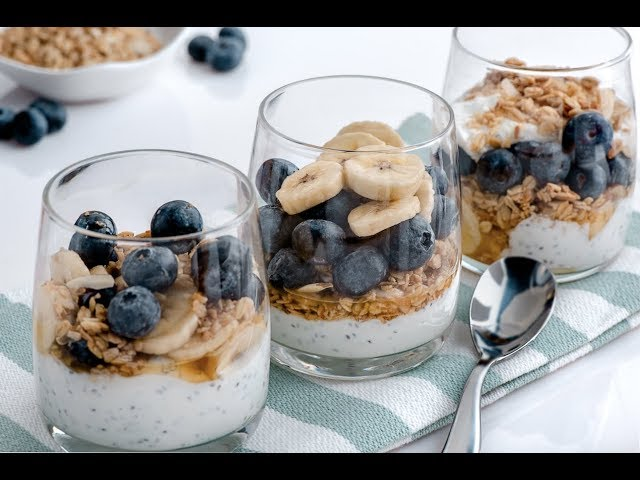 Yogurt de Chia, Guineo, Blueberries - Chef Mora - Goya Fit
