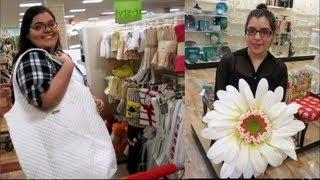 Going Postal w/huge flower & purse, while Shopping! Thumbnail
