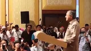 Rakaman Polis halang Mahathir berucap, Najib tak hadir
