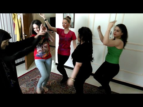 بهترین رقص شاد دختران ایرانی در تهران ایول thumbnail