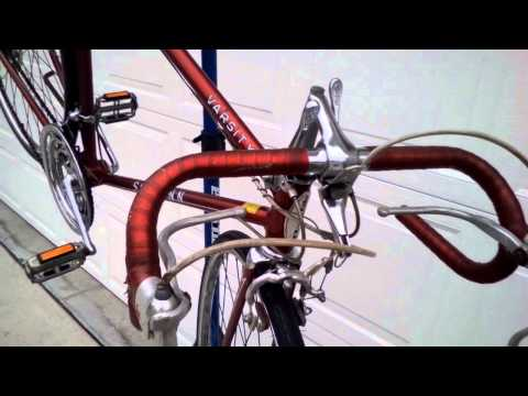 Schwinn Varsity road bike vintage Chicago Built - YouTube