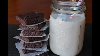 Berry-sweetened Brownies (wheat-free! Vegan!)