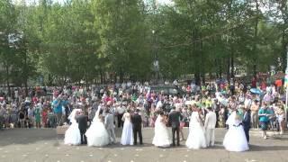 День города Алдан-2014 2 Открытие Парад новобрачных
