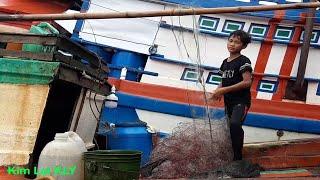 Cậu bé phao lướt quá chuyên nghiệp/Fishing vessel.