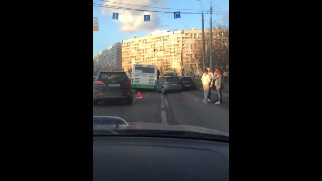 Авария на выезде с Крюковской площади в Зеленограде
