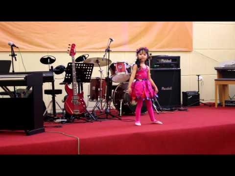 Dua Balerina - Halmahera music school concert