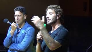 """Backstage, Stefano De Martino risponde ai suoi fan: """"Belen? E' una minaccia…"""""""