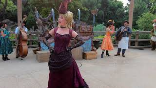 Miss Kitty - Welcome Wagon Show - Hong Kong Disneyland