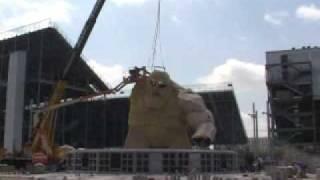 Monster Monument construction (April 29, 2008)