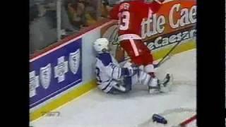 Kris Draper hit on Tie Domi/ Wings-Leafs scrum 2/27/03