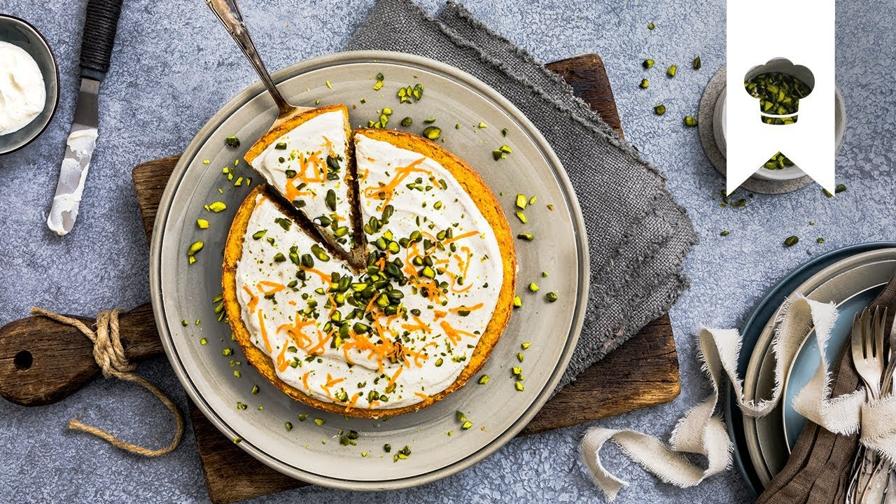 Karottenkuchen I Zuckerfreier Kuchen mit Quark-Topping | EDEKA