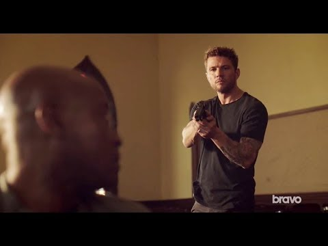 Shooter 2x03 Bob Lee, Dobbs and Isaac in the church - S02E03