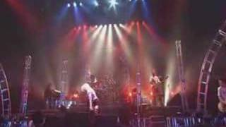 KOTOKO's LIVE TOUR of 2004 WINTER. A live performance of the song 羽.