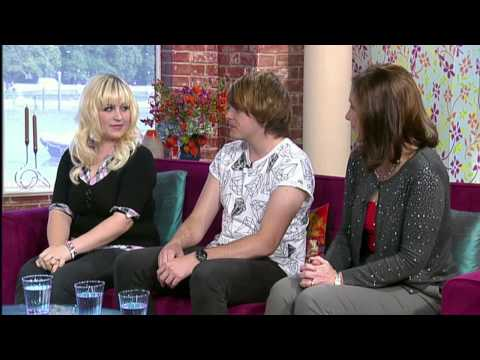 Holly And Phil Chat With Jessica Clark Who Has Dissociative Identity Disorder - 26th Sept 2013