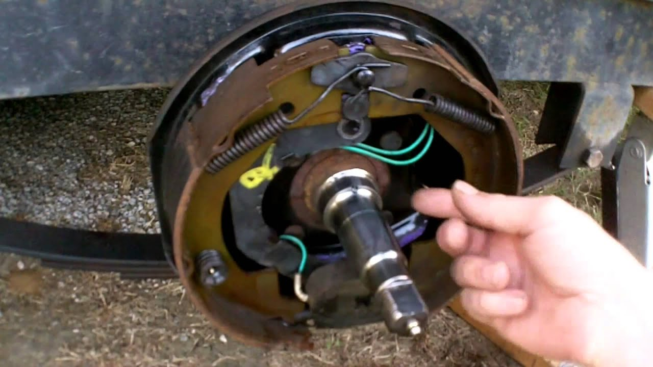 How Electric Trailer Brakes Work  YouTube
