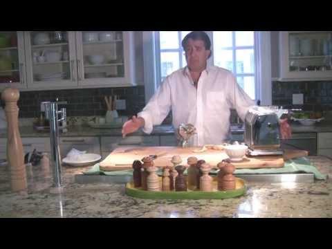 Artisanal Pasta Tools: The Cavatelli Maker