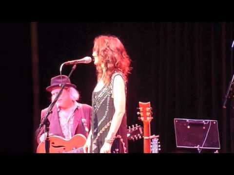 Patty Griffin, I Smell A Rat