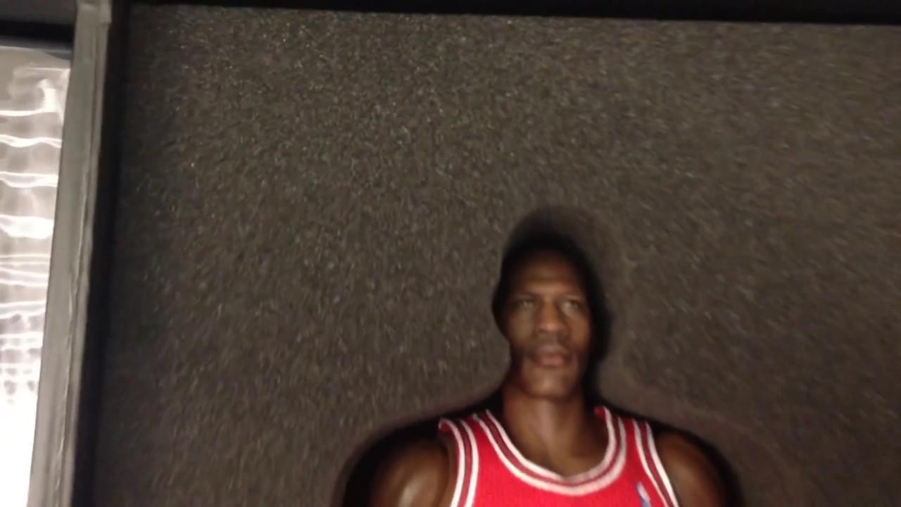 889e9d6c4eab04 Enterbay Real Masterpiece Michael Jordan 1 6 action figure Series 1 I m  back unboxing