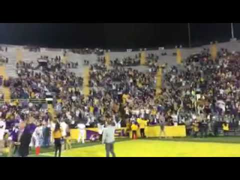 LSU Band plays Neck