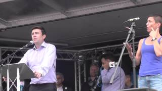 Jos Bell introduces Andy Burnham (#march4NHS)