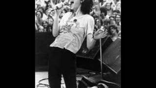 "Patti Smith - ""Piss Factory"""