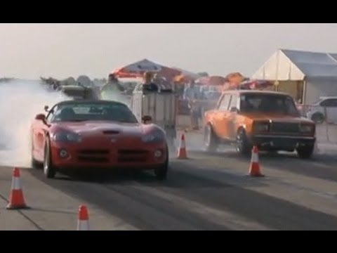█▬█ █ ▀█▀ Dodge Viper 8.6 V10 SRT 10 Vs. Lada V6 Turbo Drag Race