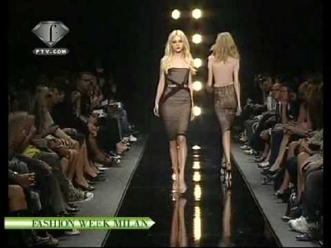 Caroline Trentini Mix Sfilate3 Widescreen