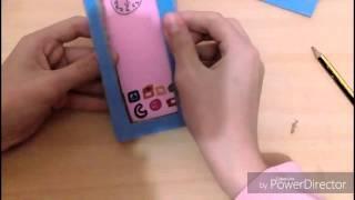 Teléfono de cartón