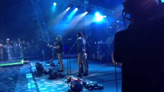 Download The Avett Brothers sitting in with Zac Brown Band. Sweet Carolina MP3 song and Music Video
