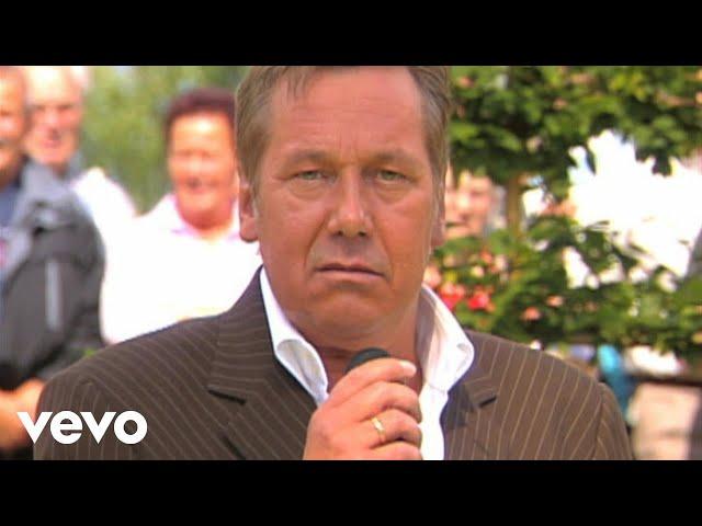 Roland Kaiser - Sie liesse sich so gerne fallen (ZDF-Fernsehgarten 29.8.2004) (VOD)