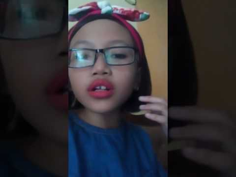 Jeje menyanyikan lagu zara leola