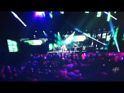 Jason Aldean - Take A Little Ride ( Live At The Canadian Country Music Awards 2012)