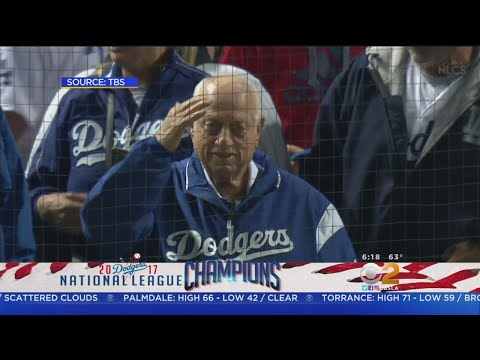 Tommy Lasorda Salutes National League Champs
