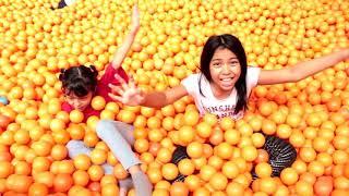 MANDI BOLA BANYAK ♥ Million Ball Pit For Kids Play Balls