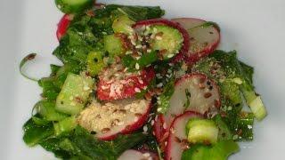 Весенний салат с ботвой редиса