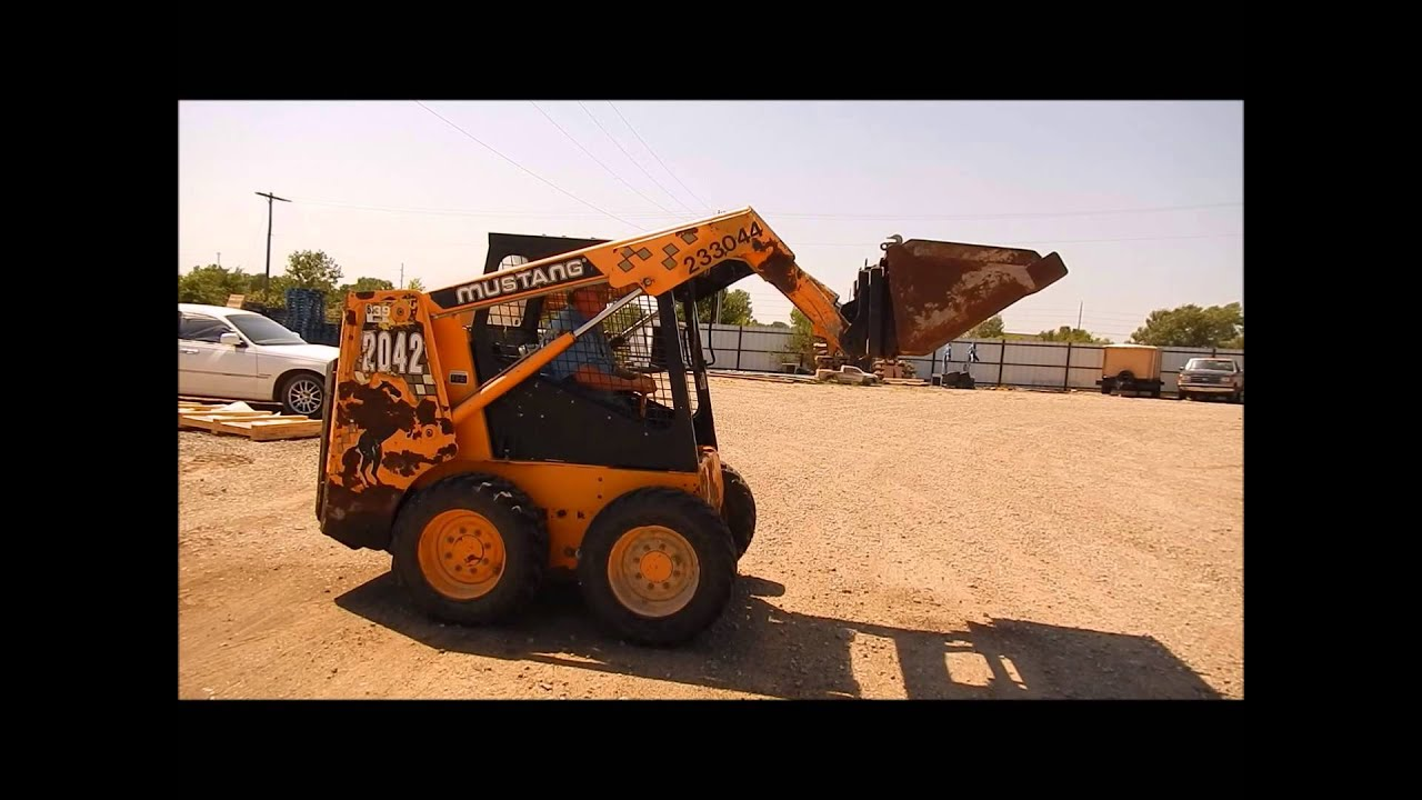 2001 Mustang 2042 skid steer for sale | sold at auction September 17, 2014