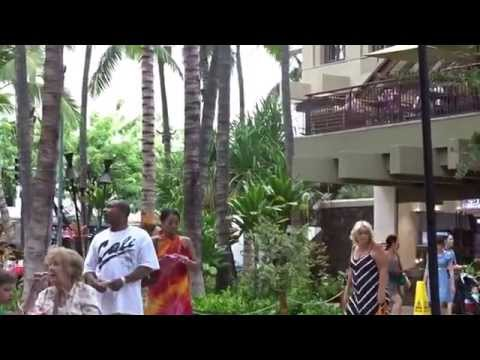 Royal Hawaiian Center B court kalakaua ave honolulu 20151012 1405