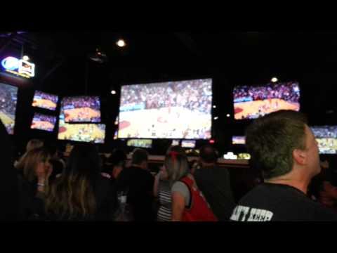 Reaction to Lillard's buzzer shot vs Rockets