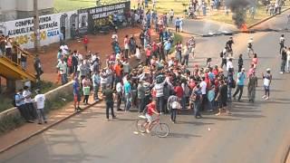 Manifestação em valparaiso de goias, contra o transporte público