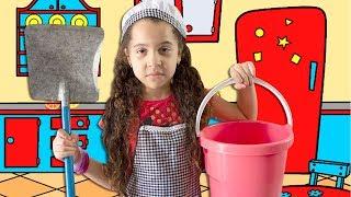 SARAH ARRUMANDO A CASA E A MAMÃE BAGUNÇANDO - PRETEND PLAY WITH CLEANING