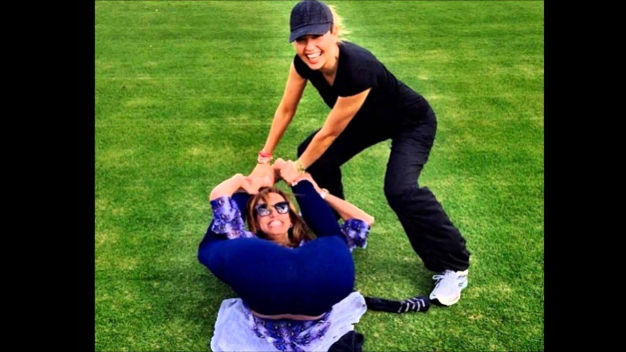 Laura haciendo yoga y follada 2