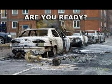 Bug Out Bag for your CAR - Doomsday Prepper Tips